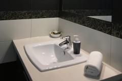 Foldszinti-apartmanok-fürdő